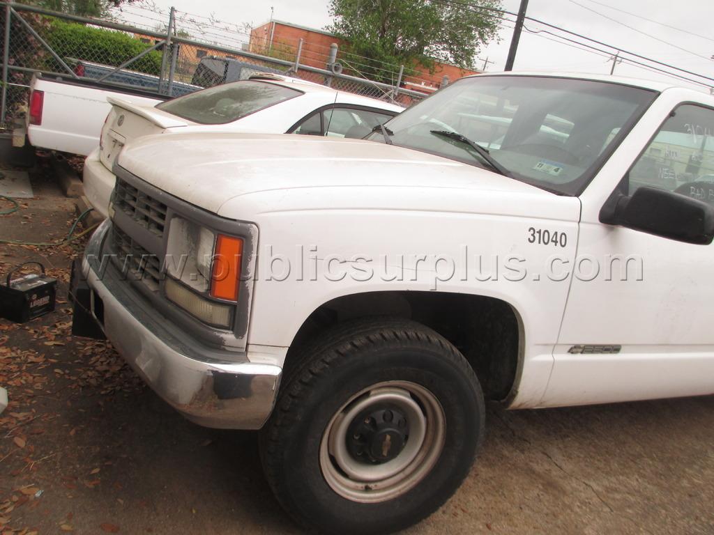 1340886 2000 chevrolet c2500 pickup truck p r 31040